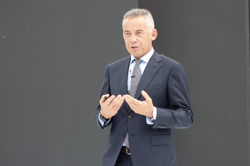 アウトモビリ・ランボルギーニ 研究・開発部門 取締役のマウリツィオ・レッジャーニ氏
