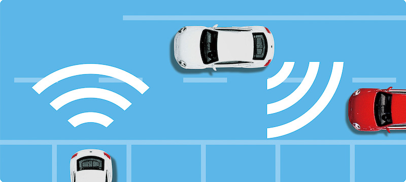 ブラインドスポットディテクション(後方死角検知機能)とリヤトラフィックアラート(後退時警告・衝突軽減ブレーキ機能)のイメージ