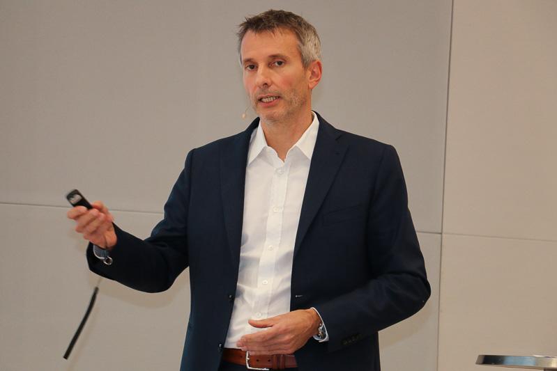 BMW グループ リサーチ 新技術研究本部 パワートレーン研究部門執行役員 マティアス・クリーツ氏