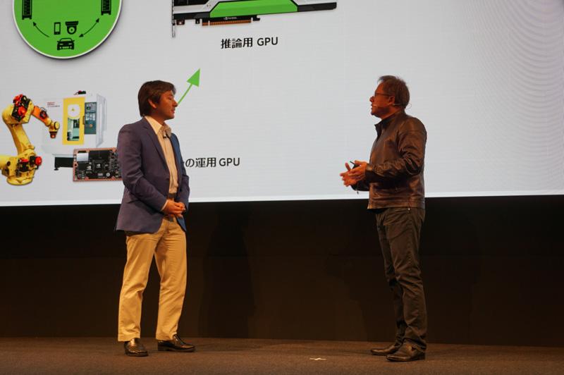 ファナック株式会社 取締役専務執行役員 ロボット事業本部長 稲葉清典氏(左)