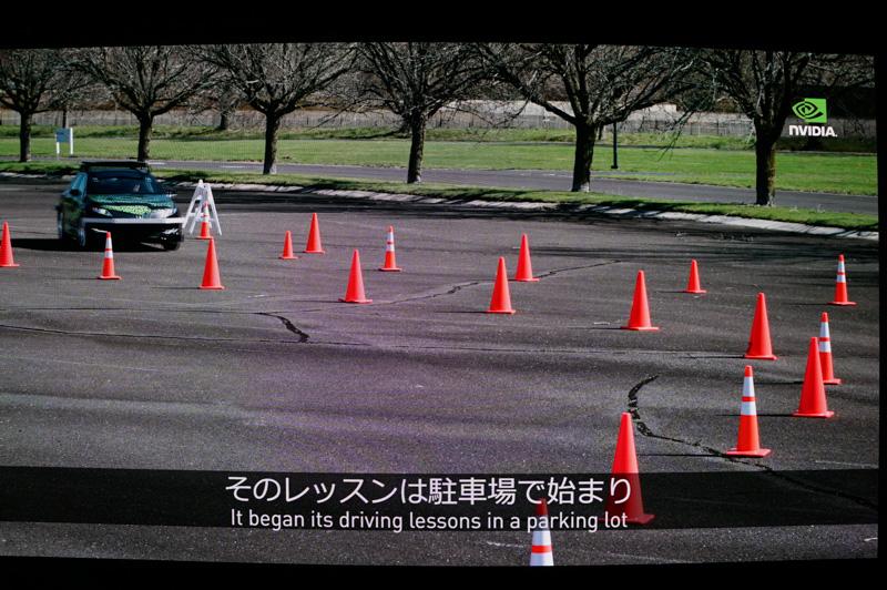 BB8の紹介ビデオ。AIとカメラだけでここまでできるというのはすごい