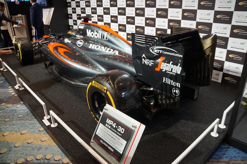 会場に展示されたF1マシン