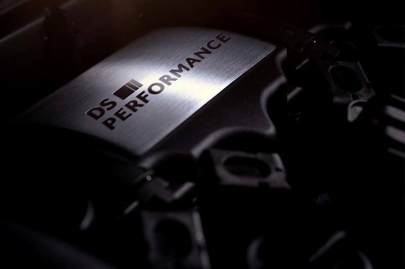 直列4気筒DOHC 1.6リッター直噴ターボエンジン