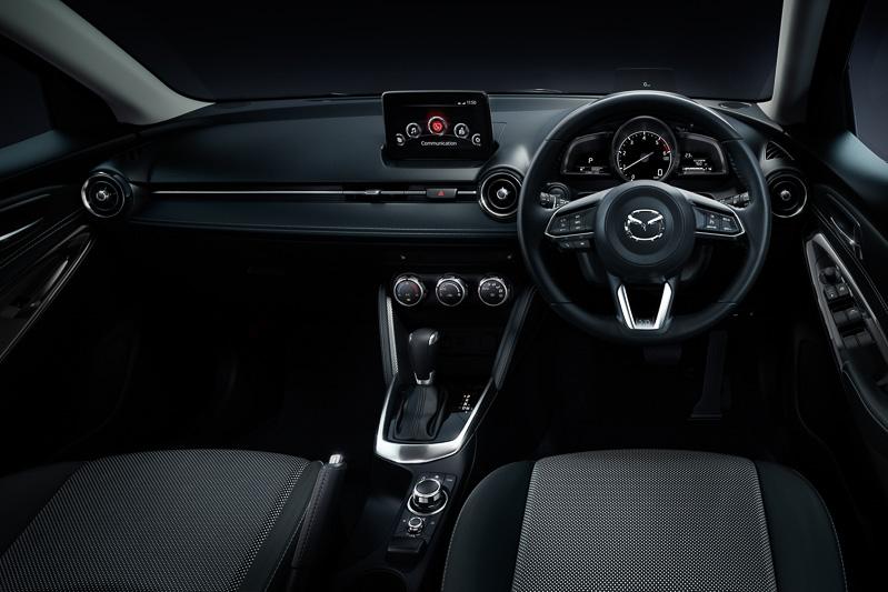 モノトーン調に変更された13S TouringとXD Touringのシート表皮