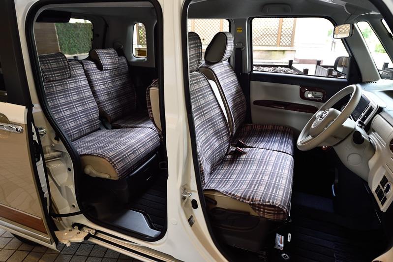ムーヴ キャンバスは全高1700mm以下の軽自動車で初めて両側スライドドアを採用。パワースライドドアが閉まっている途中で電子カードキーのロック操作をすると、ドアが閉まりきったあとにロックされる「予約ロック機能」も一部グレードで標準装備