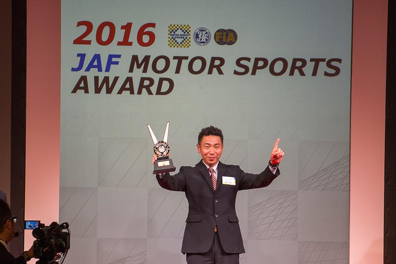 全日本ラリー選手権、クラス6ドライバーのチャンピオンは勝田範彦選手
