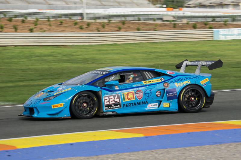ランボルギーニ・ブランパン・スーパー・トロフェオ・ワールドファイナルを走る「ウラカン LP620-2 スーパー・トロフェオ」