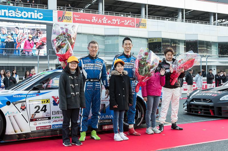 スーパー耐久 ST-Xクラスでシリーズチャンピオンを獲得したスリーボンド 日産自動車大学校 GT-R