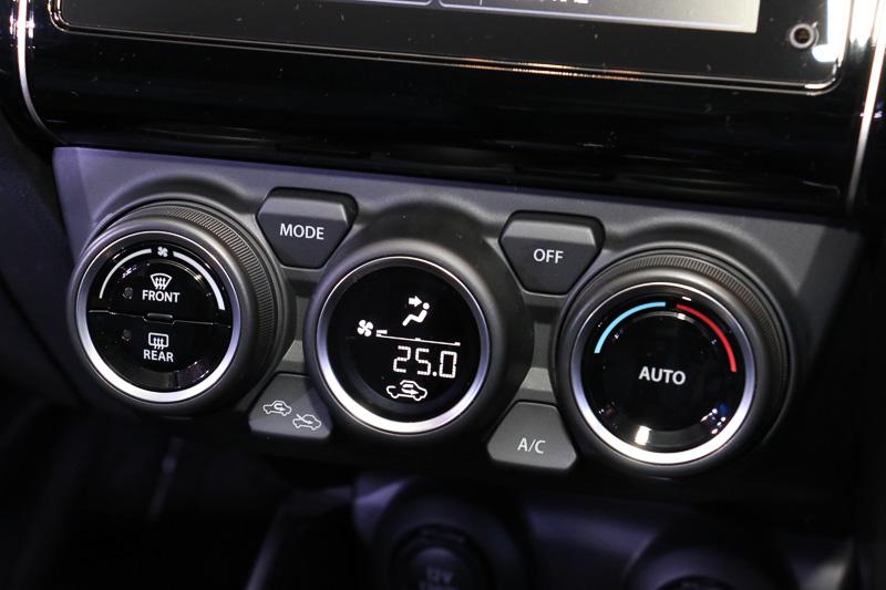 全車エアフィルター付きのフルオートエアコンを標準装備