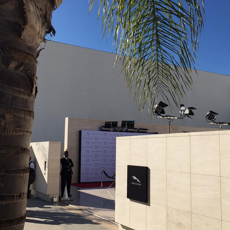 朝晩ともにI-PACEのお披露目会場となったハリウッドにあるスタジオ