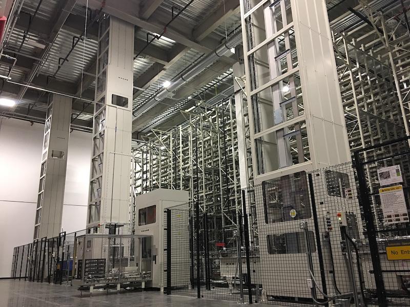 ギガファクトリーにおける電池セルの出荷倉庫