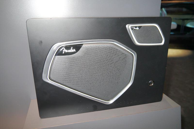 米フェンダーと共同開発した「Fender Premium Audio System」