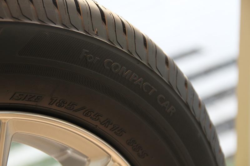 軽・コンパクトカー専用の「ECOPIA NH100 C」は、サイドウォールに「For COMPACT CAR」の文字が入る