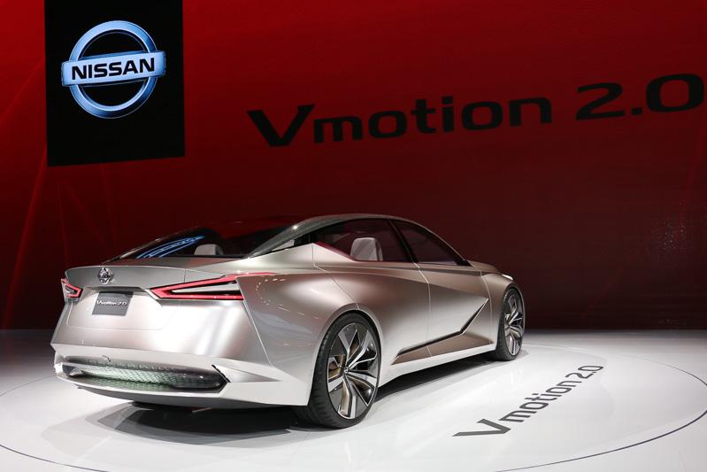 Vモーションに象徴されるシャープなラインと、アーチ形状のルーフラインや前後フェンダーなどによるエモーションな表現を合わせ持つVmotion2.0