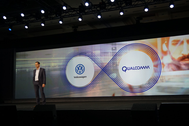 タンネベルガー氏は、QualcommとVWの提携について説明