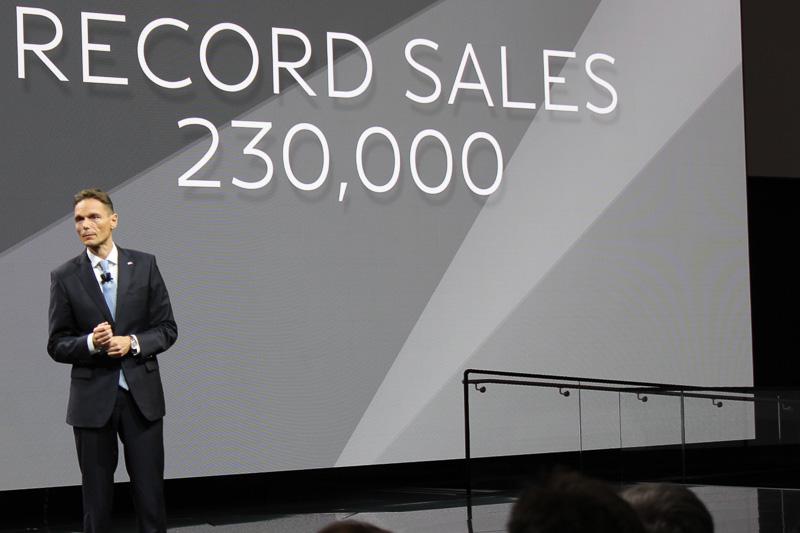 クルーガー社長はインフィニティが23万台以上を販売したこと、2016年に市場投入したニューモデルも好調であることなどから「2016年はインフィニティにとって印象の残る年になった」とコメント