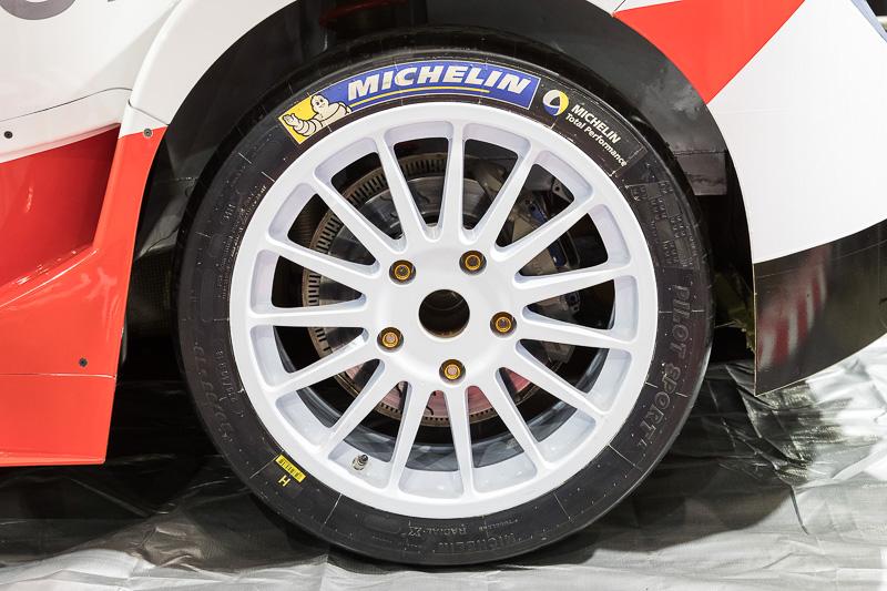 タイヤはミシュラン製