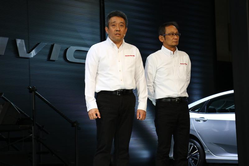 GTのプロジェクトリーダーに就任した本田技術研究所の佐伯昌浩氏(右)。2016年までのスーパーフォーミュラに加えてSUPER GTも担当することになった