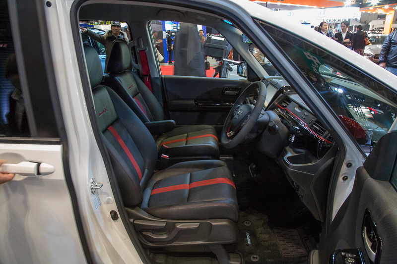インパネ、シートが特別仕様となるFREED Modulo X Conceptのインテリア