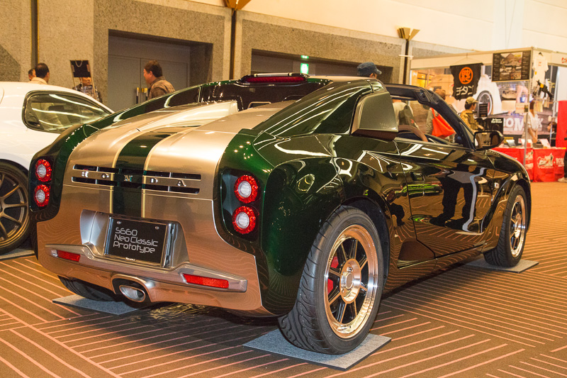 「S660 Neo Classic Prototype」は市販も可能な構成になっている。最新のスポーツカーをレトロな雰囲気もあるスタイルに変える仕様変更で、市販されれば人気が出そうだ