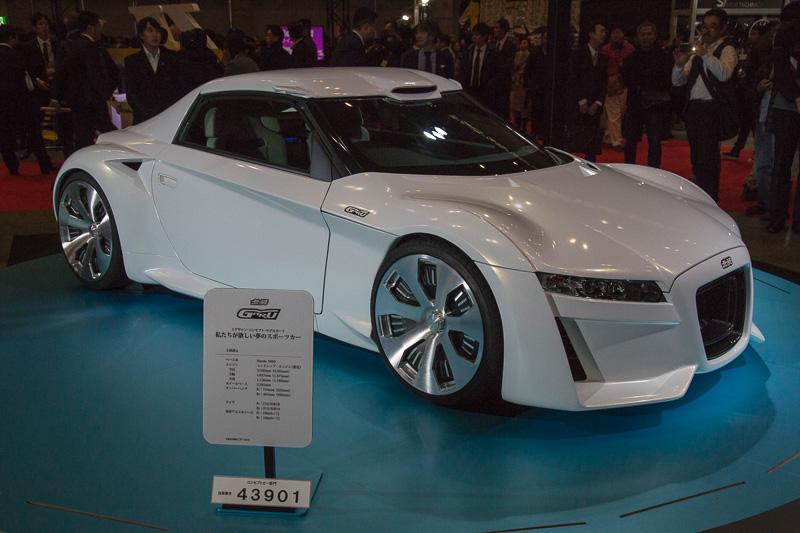 「私たちがほしい夢のスポーツカー」というテーマで製作された「無限 GARU」と名付けられたコンセプトカー。ベースはS660で、ボディの造形変更、センターロックのホイール、ドアミラーレス化などなどの変更が行なわれている