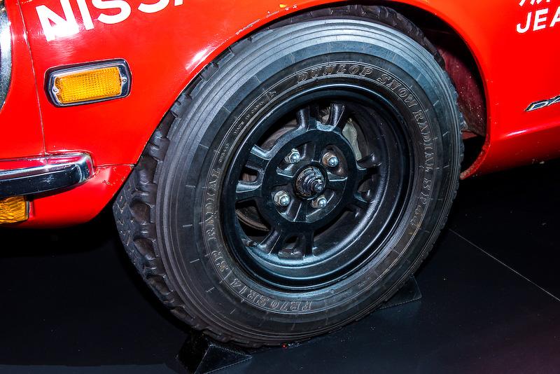 タイヤは「FR70R14(ダンロップPW72)」を装備