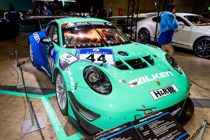 2016年の「ニュルブルクリンク24時間レース」参戦マシンのFALKEN Motorsports「ポルシェ 911 GT3 R (991)」を日本で初お披露目