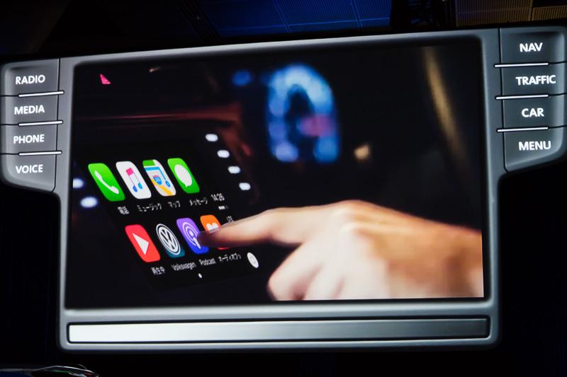 Car Playの操作イメージ。iPhoneをクルマのディスプレイから操作できる