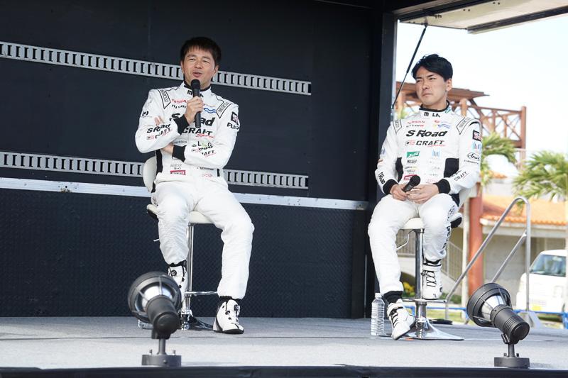 現役GTドライバートークショーとして、S Road CRAFTSPORTS GT-Rで2016年シーズンのSUPER GTを戦った本山哲選手と千代勝正選手が登場した
