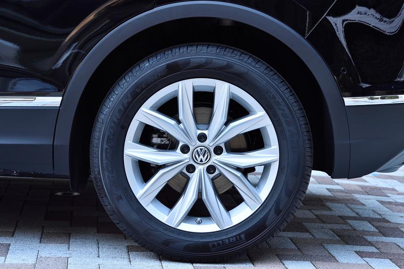 ピレリのオールシーズンタイヤ「SCORPION VERDE」を採用。タイヤサイズは235/55 R18