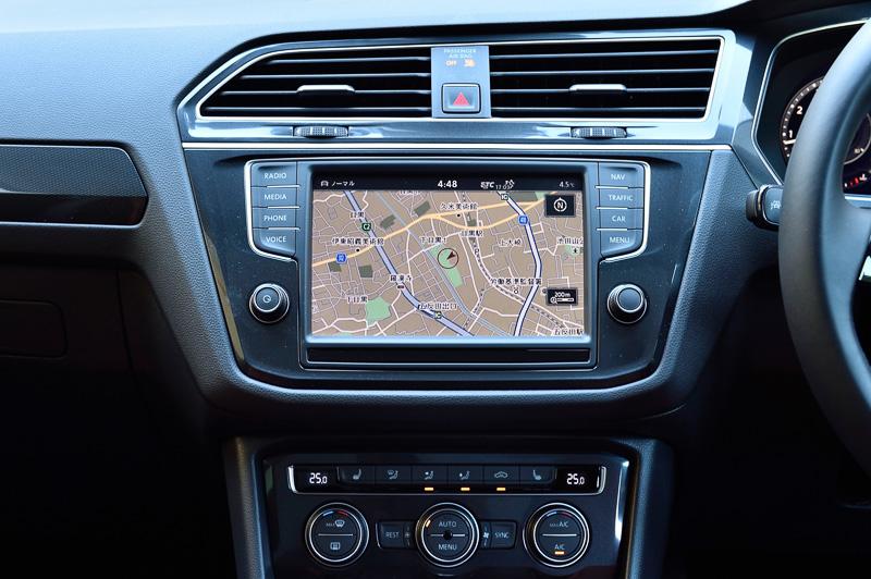 純正インフォテイメントシステム「Discover Pro」は「Car Play」「Android Auto」「MirrorLink」に対応。スマートフォンと接続してインターネット経由の最新情報、音声入力機能などが利用できる
