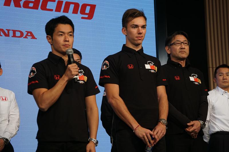 山本尚貴選手(TEAM MUGEN)(左)