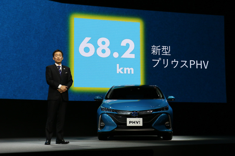 バッテリーに蓄えた電気だけで、初代モデルの2倍以上となる68.2kmをEV走行できるようになった