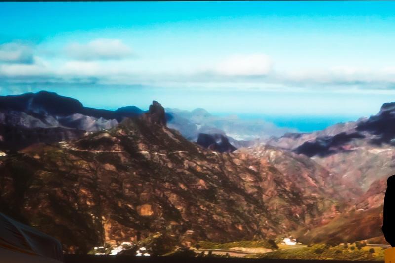 カナリア諸島のベンテイガの風景をモチーフに、モーターショー向けに作られた木工細工製作工程ムービー