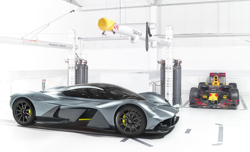 英アストンマーティンとレッドブル・レーシングが共同開発する新型ロードカー「AM-RB 001」。これまで納車時期は2018年としていたが、今回の発表では2019年に修正されている