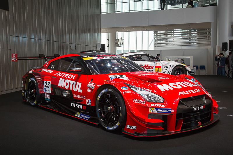 2017年のSUPER GT GT500クラスに参戦する「MOTUL AUTECH GT-R」(23号車)がBBS鍛造ホイールを採用