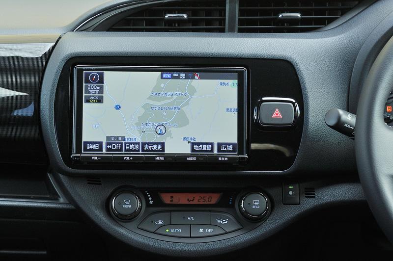 全車オーディオレスが標準となり、写真の「T-Connectナビ9インチモデル」などの販売店オプションを多彩に用意する