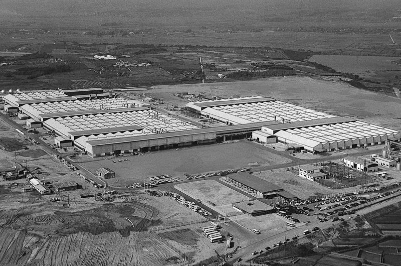 完成当時の高岡工場