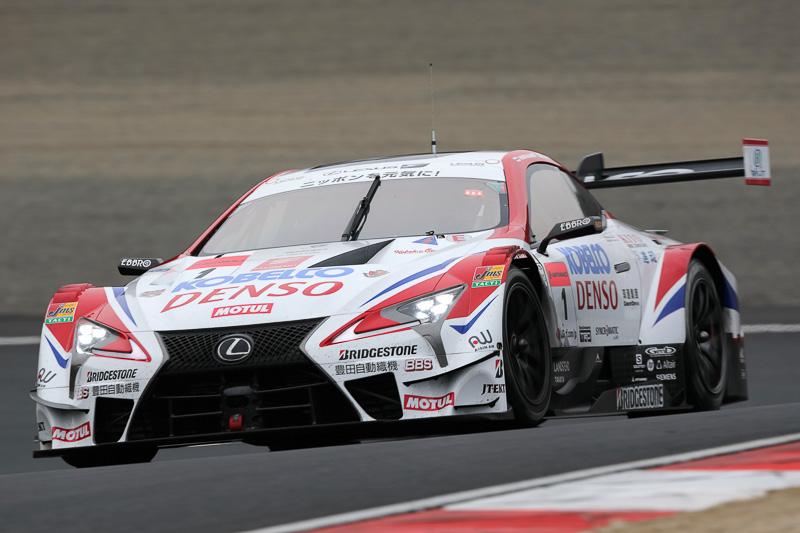 1号車 DENSO KOBELCO SARD LC500 ヘイキ・コバライネン/平手晃平(選手名は公式テストのエントリーリストより。以下同)