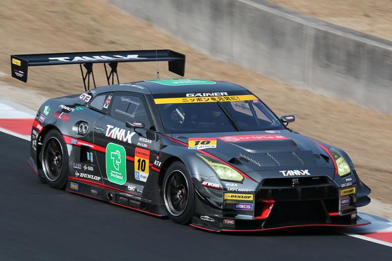 10号車 GAINER TANAX GT-R 富田竜一郎/吉田広樹