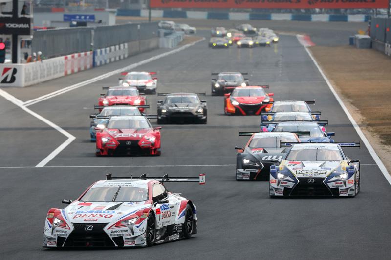 GT500クラス15台、GT300クラス30台が参加して実施されたSUPER GT公式テスト岡山。テスト2日目の3月19日にはレース本番と同様のローリングスタートによるテストも実施された
