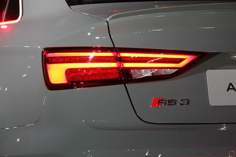 新型RS 3セダンのボディサイズ(欧州仕様)は4479×1802×1399mm(全長×全幅×全高)、ホイールベース2631mm