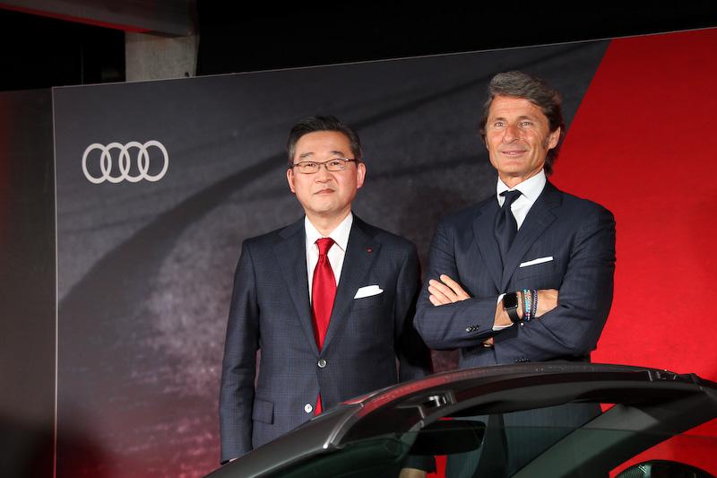 アウディ ジャパンは、3月28日に「Audi Sport」発表会を開催。発表会に出席したAudi Sport GmbH マネージングディレクターであるステファン・ヴィンケルマン氏(右。左はアウディ ジャパン株式会社 代表取締役社長の斎藤徹氏)にインタビューできたので、その模様をレポートする