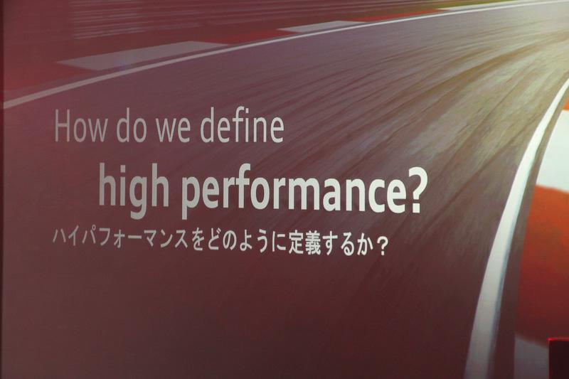 Audi Sportのモデルが属するハイパフォーマンススポーツカーの特徴は、パフォーマンスもデザインも優れていながら日常使いができること