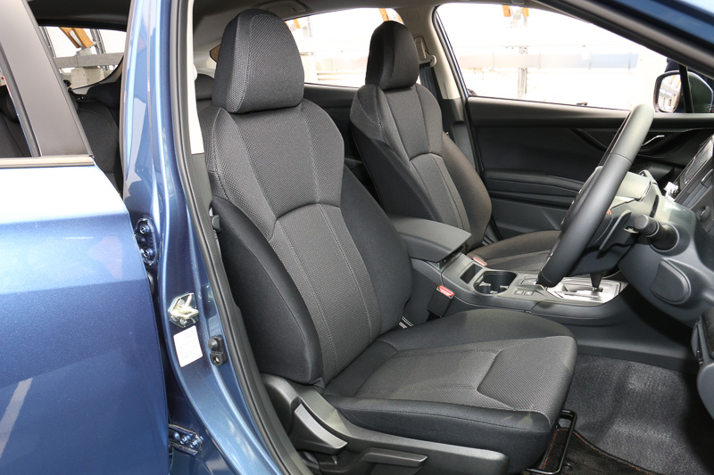 1.6i-L EyeSightのシート。シート表皮はトリコットを採用