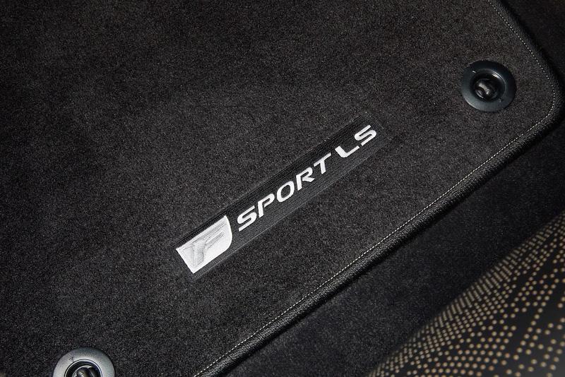 """LS500""""F SPORT""""のインテリア"""