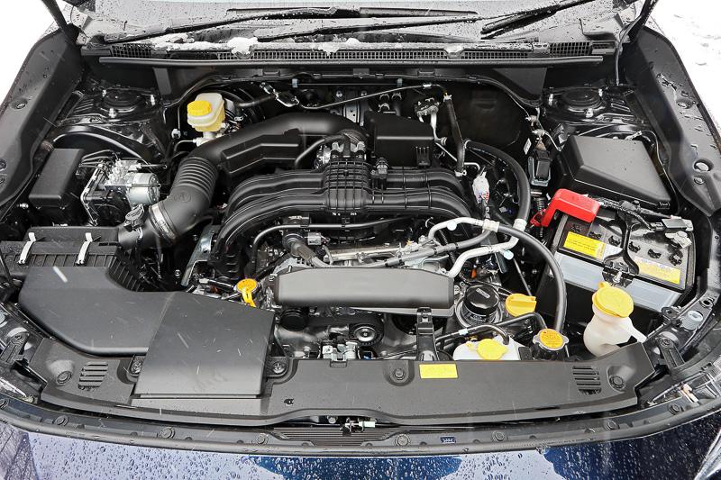 こちらは1.6リッターモデルが搭載するFB16エンジン。最高出力85kW(115PS)/6200rpm、最大トルク148Nm(15.1kgm)/3600rpm