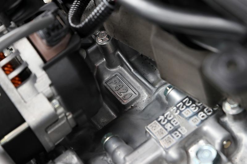 2.0リッターモデルが搭載するFB20エンジン。最高出力113kW(154PS)/6000rpm、最大トルク196Nm(20.0kgm)/4000rpm