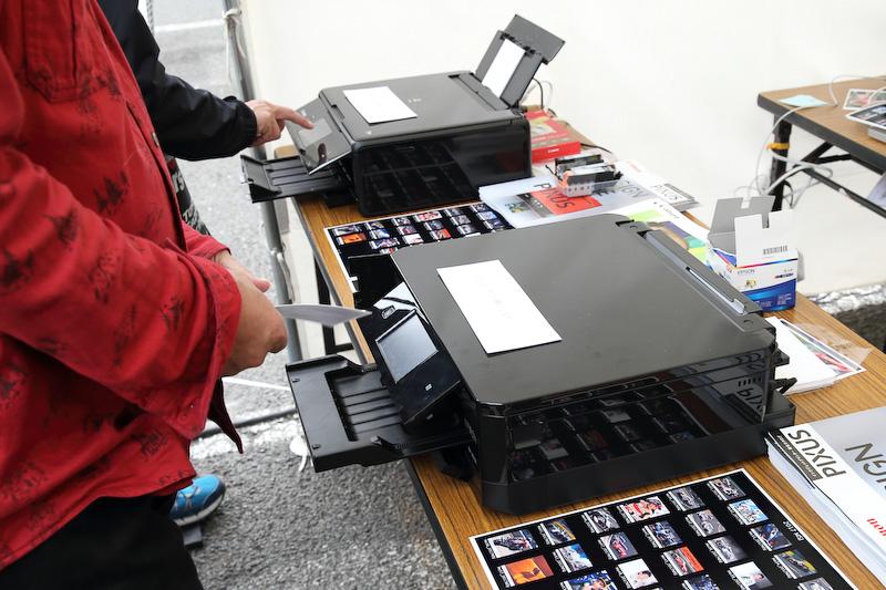 JRPA会員の作品をプリンターで出力できるサービスは行列ができるほど大人気