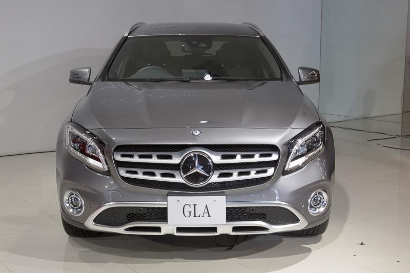 新たに設定された「GLA 220 4MATIC」。ボディサイズ(欧州参考値)は4424×1804×1494mm(全長×全幅×全高)。このモデルのみ発売は9月以降となる